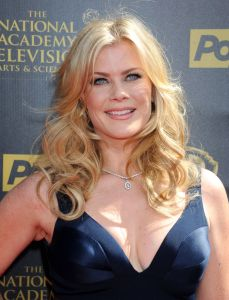 alison-sweeney-2015-daytime-emmy-awards-in-burbank_2